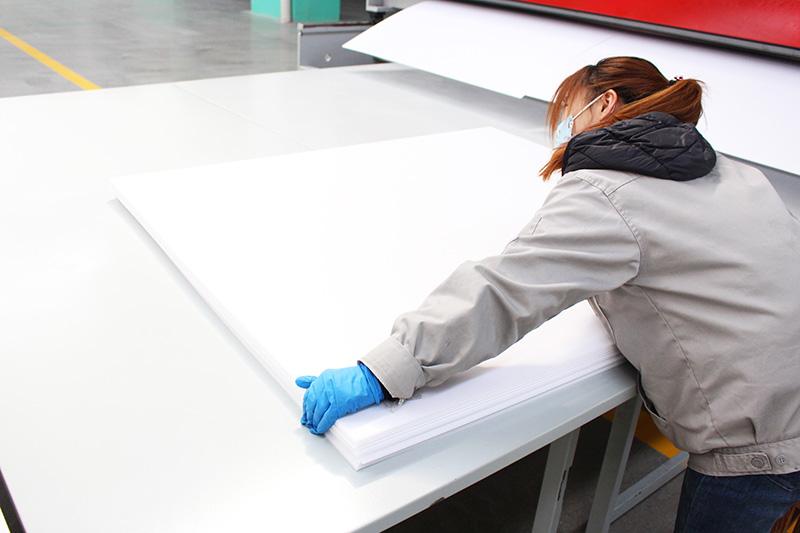 中空板厂家:中空板是什么材料